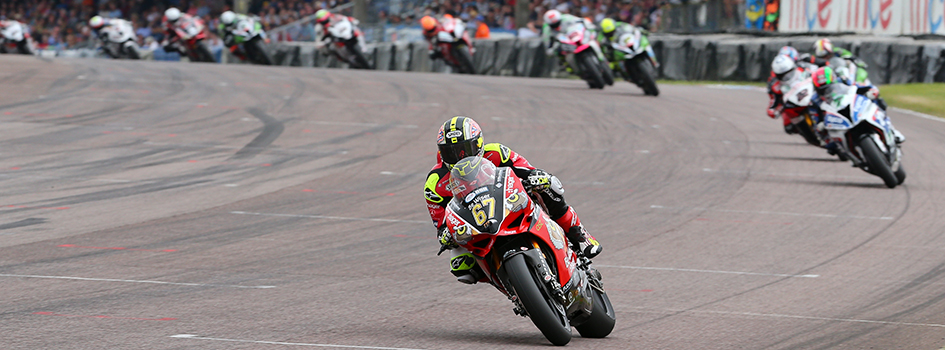 Byrne-wins-race-1-at-thruxton