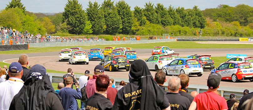 Photo of Clios racing at Thruxton